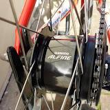 Shimano Alfine 8 speed internal geared hub - Centerlock disc brake compatible.
