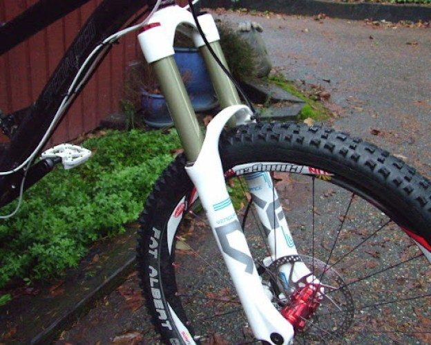 Vengeance HLR fork side shot