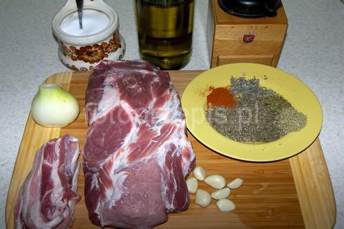 Ziołowo czosnkowa karkówka pieczona z boczkiem wieprzowina swiateczne srednie polska pieczone kolacja danie glowne codzienne  przepis foto