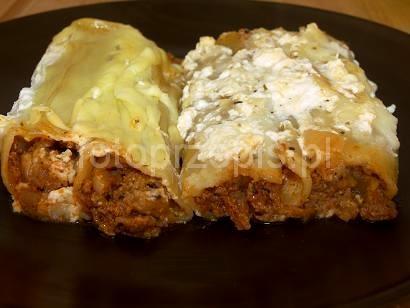 Cannelloni z mięsem mielonym z sosem beszamelowym wloska wieprzowina pieczone obiad europejska danie glowne  przepis foto
