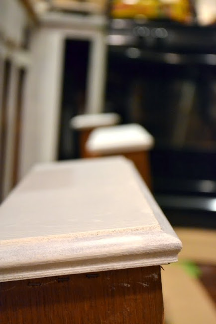 priming kitchen cabinets and drawers