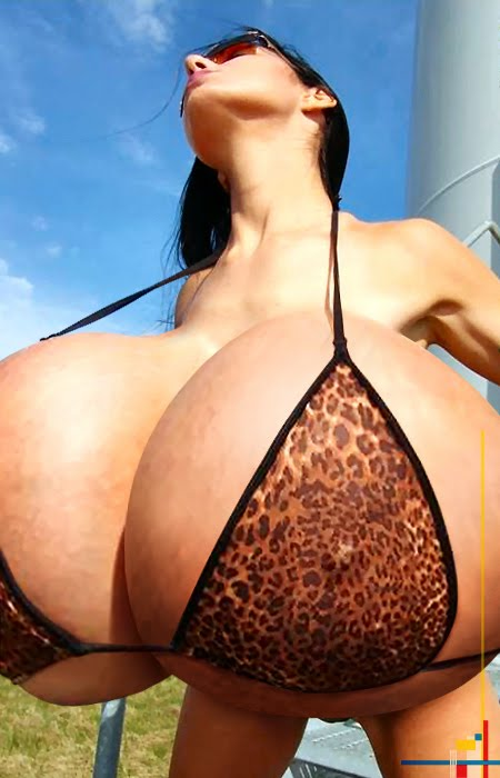 babes with breast morphs