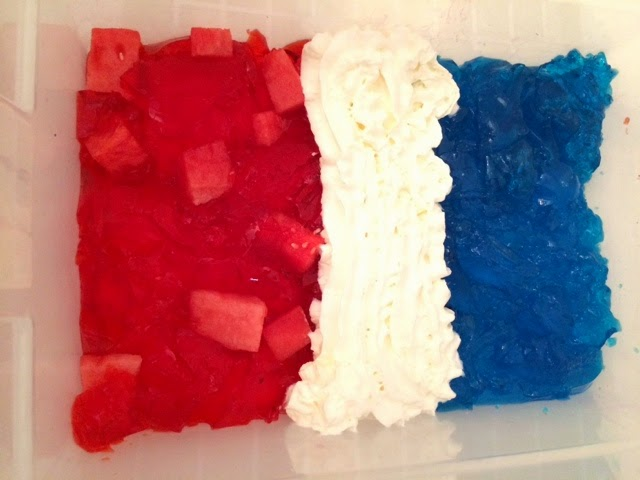 This red, white and blue sensory play is perfect for celebrating holidays with kids! A great way to explore the senses through play and fun!