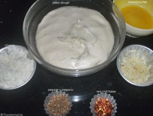 Cheesy Garlic Crescent Rolls Recipe