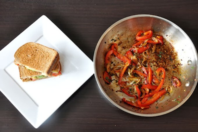 avocado   caramelized red pepper & onion sandwich 095