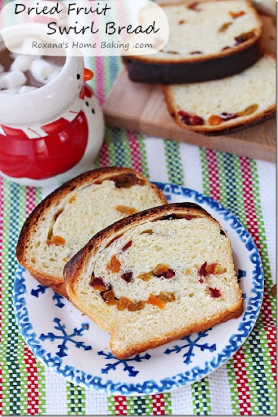 Dried_Fruit_Swirl_Bread_Recipe_Roxanashomebaking_2