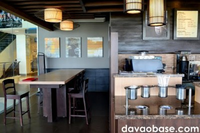 Bo's Coffee Abreeza offers a long table for laptop and WiFi users