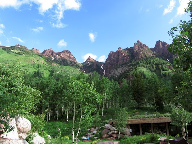 Visitors centre in Maroon Bells Area.JPG