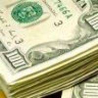 Heboh, Uang 100.000 Dollar Berhamburan di Jalan
