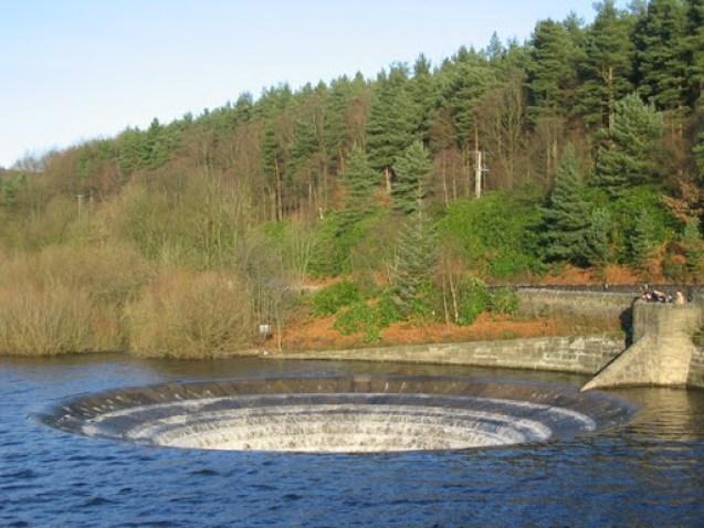 ladybower-reservoir3