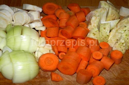 Golonka duszona z kiszoną kapustą wieprzowina polska obiad jednogarnkowe danie glowne  przepis foto