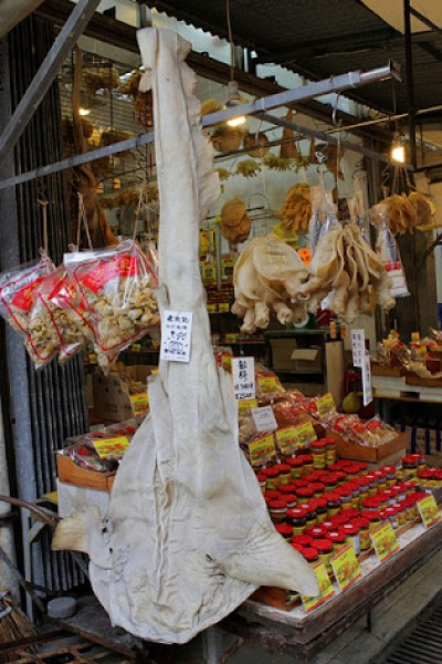 lantau island seafood stores, tai o fishing village lantau island, fishing villages in asia, lantau island attractions, fishing village in hong kong