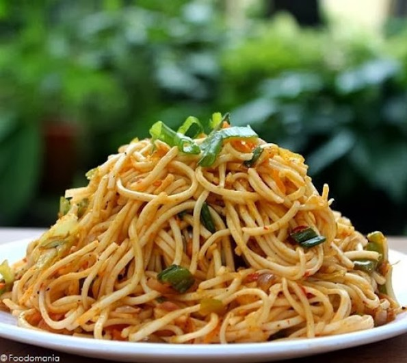 Schezwan Fried Noodles Recipe | Chinese style Spicy Veg Noodles