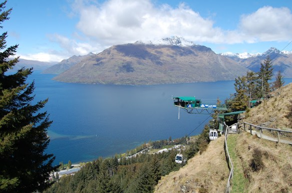 The Ledge Bungy in Queenstown