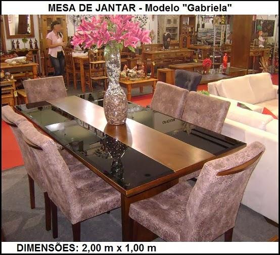 Mesa com vidro preto