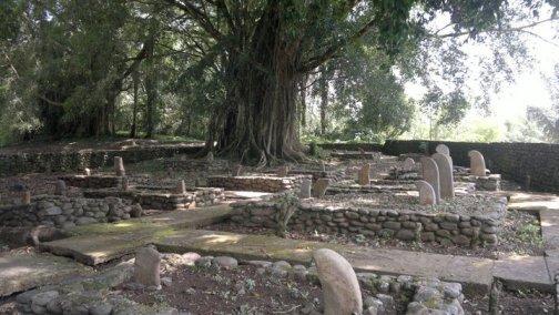 Situs Cagar Budaya Ustano Rajo Alam