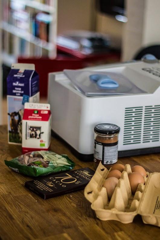 Ingredienser til den perfekte chokoladeis med kaffesirup og ristede hasselnødder - Mikkel Bækgaards Madblog.jpg