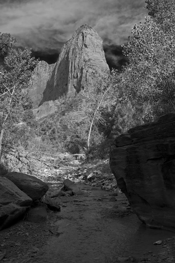 Black &amp; White Creek &amp; Large Rock