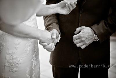 porocni-fotograf-wedding-photographer-ljubljana-poroka-fotografiranje-poroke-bled-slovenia- hochzeitsreportage-hochzeitsfotograf-hochzeitsfotos-hochzeit  (122).jpg