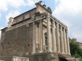Tempi di Antonino e Faustina.JPG