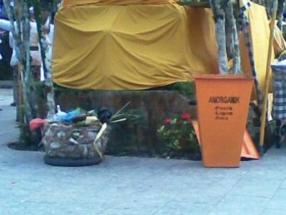 tempat sampah-sarana persembahyangan-organik-vmancer