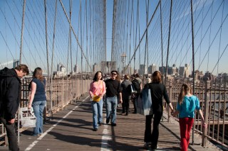 Vicky and Min on Brooklyn Bridge