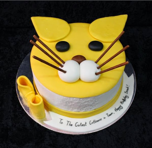 ... cat cake in the style of minions and you may bake a very cute cat cake