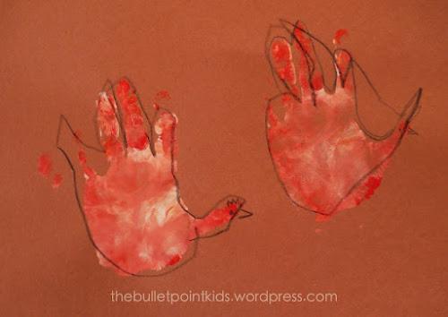 Obtisk dětské ruky slepičky