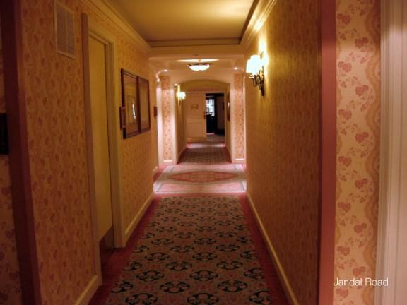 Fairmont Chateau Whistler corridor