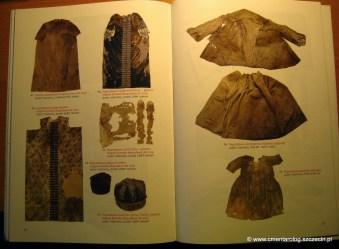 przykładowa strona katalogu ze zdjęciami eksponatów