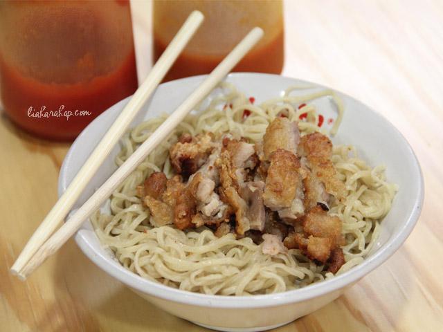 menu-noodle-chicken-paikut-kelapa-gading
