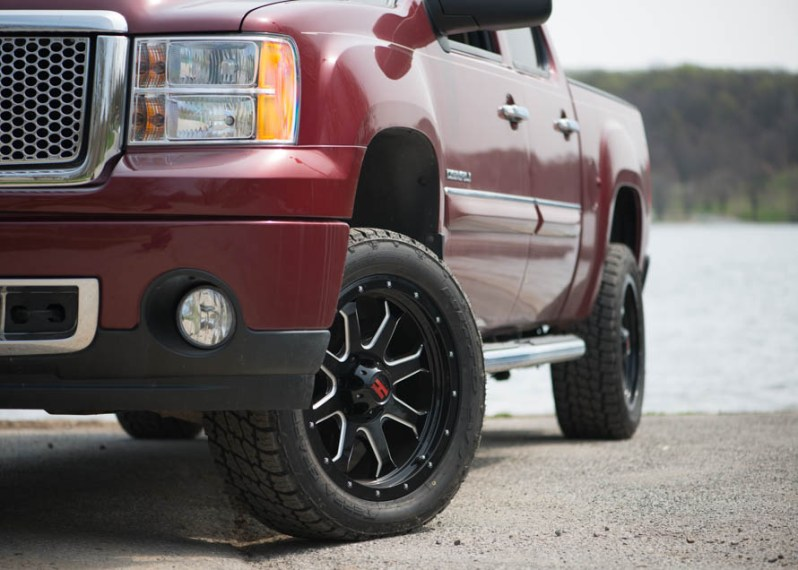 A Guide to GMC Sierra Tires   AmericanTrucks American Muscle