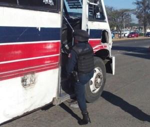 Implementan operativos de seguridad en transporte urbano