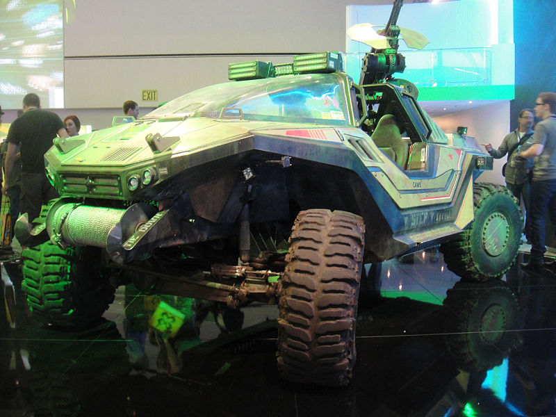 800px-E3_Expo_2012_-_Microsoft_booth_Halo_4_warthog