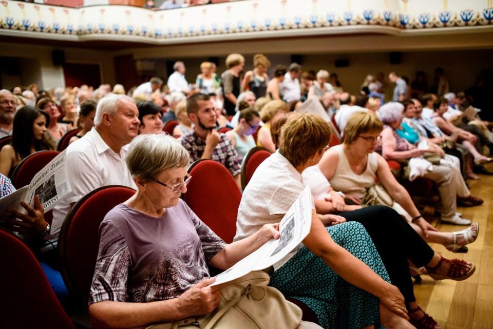 Teltház a Szivárvány Kultúrpalotában (forrás: artnews.jegy.hu)