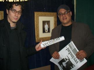 Luis Henao Uribe (uno de los editores) y Ramón Caraballo de Barco de Papel