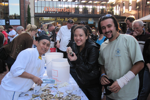 Home Team McCormick & Kuleto's: Sarber and Roger, shucked and sucked 84 bad boys.  I counted them myself.