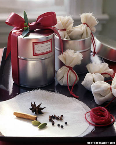 Mulling Sachets (Photo Credit: Martha Stewart)