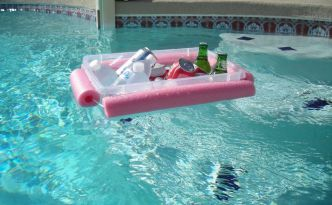 pool beverage caddy 1