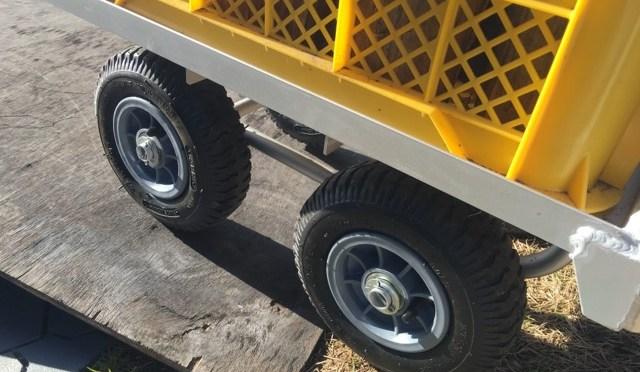 薪運びを楽にしてくれる【アルミハウスカー】は、最も実用的な運搬カートです