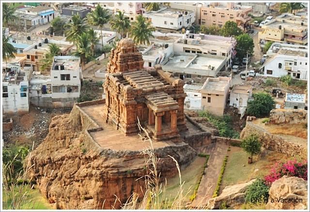 Badami Fort Trek Malegatti Shivalaya