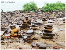 Omkareshwar Parikrama - Prayer Stones