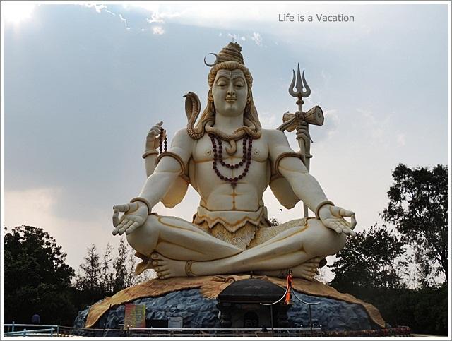 Bijapur Sightseeing One Day-Shivgiri-ShivaStatue