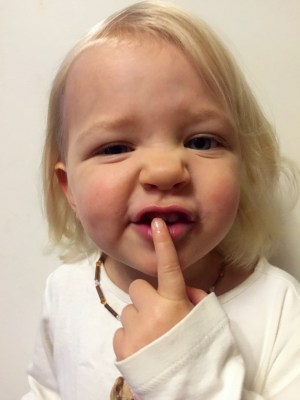 natural relief for teething pain with Hazelwood necklace
