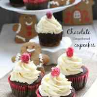 Chocolate Gingerbread Cupcakes with White Chocolate Frosting {gf}