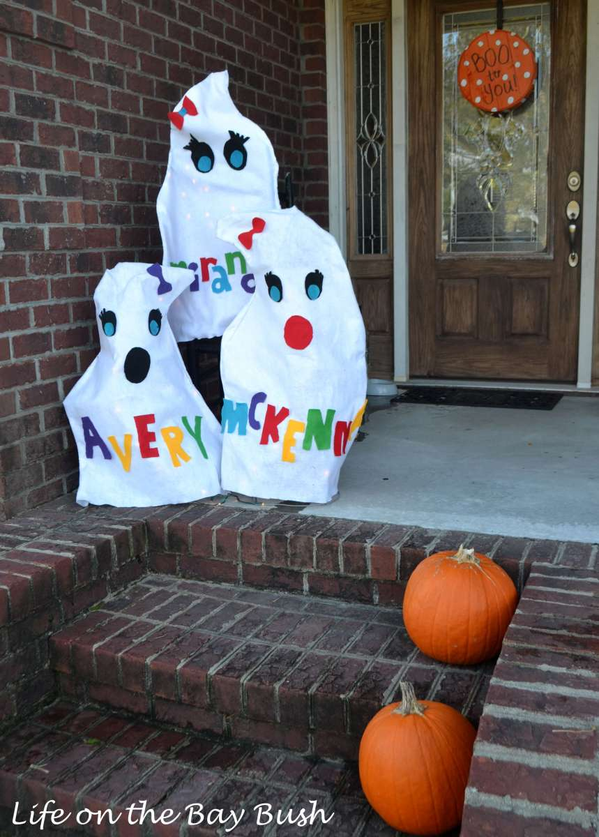 Boo from the Bay Bush {Halloween Porch}