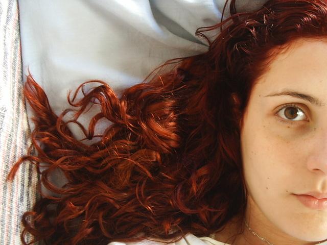 深刻な頭皮の臭いを撃退!5つの簡単スカルプケアテク