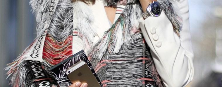 clochet-streetstyle-outfit-christine-centenera-celine-scarf-paris-fashion-week-8