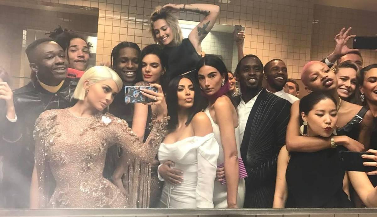 Selfie-Kylie-Jenner-Met-Gala