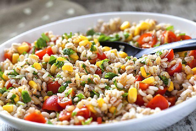 insalata-riso-orzo-zenzero-tonno